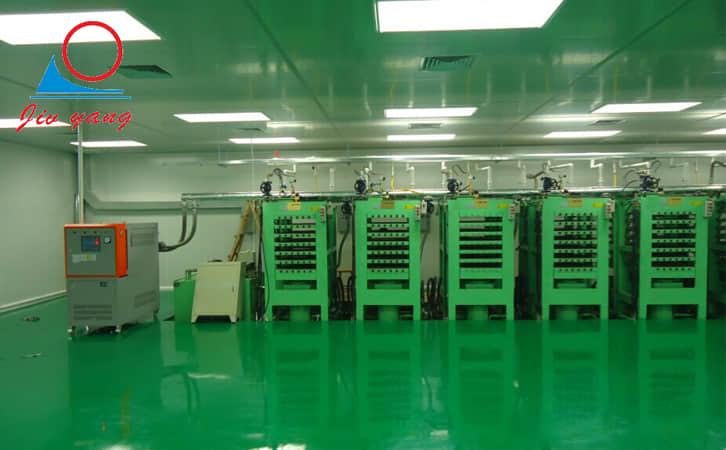 橡胶硫化模温机_平板硫化油温机_现场案例