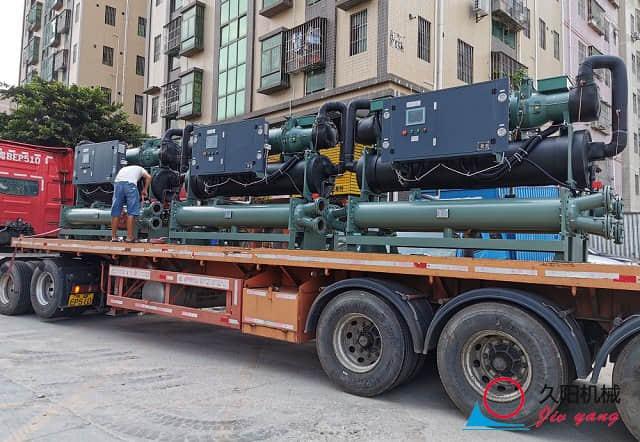 螺杆式冷水机运输