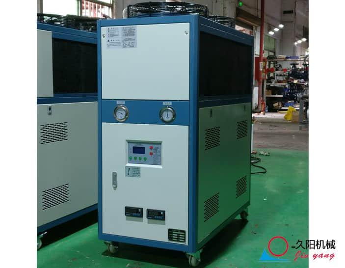 塑料吹瓶机风冷式冷水机_工业冷水机